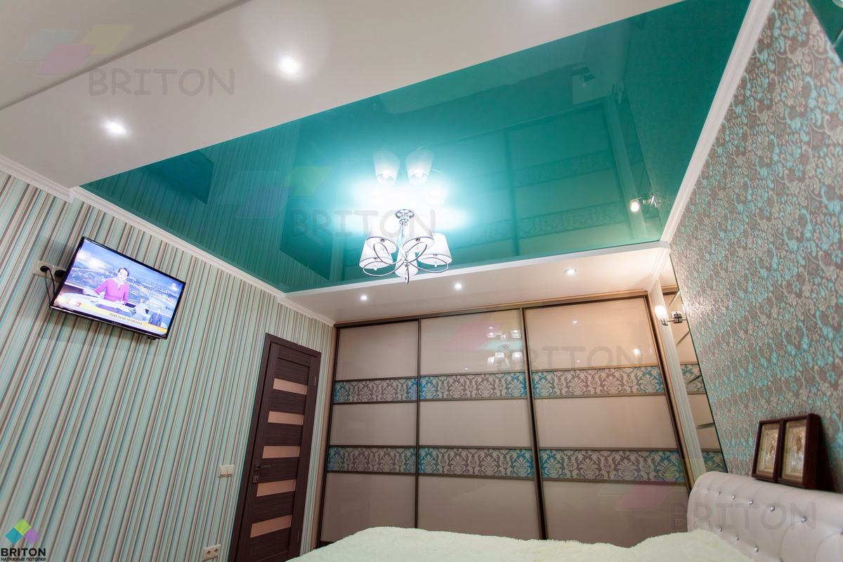 потолок в спальне Натяжна стеля від виробника, натяжні стелі і комплектуючі, доставка по Україні монтаж у Хмельницькому