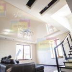 натяжной потолок в помещении
